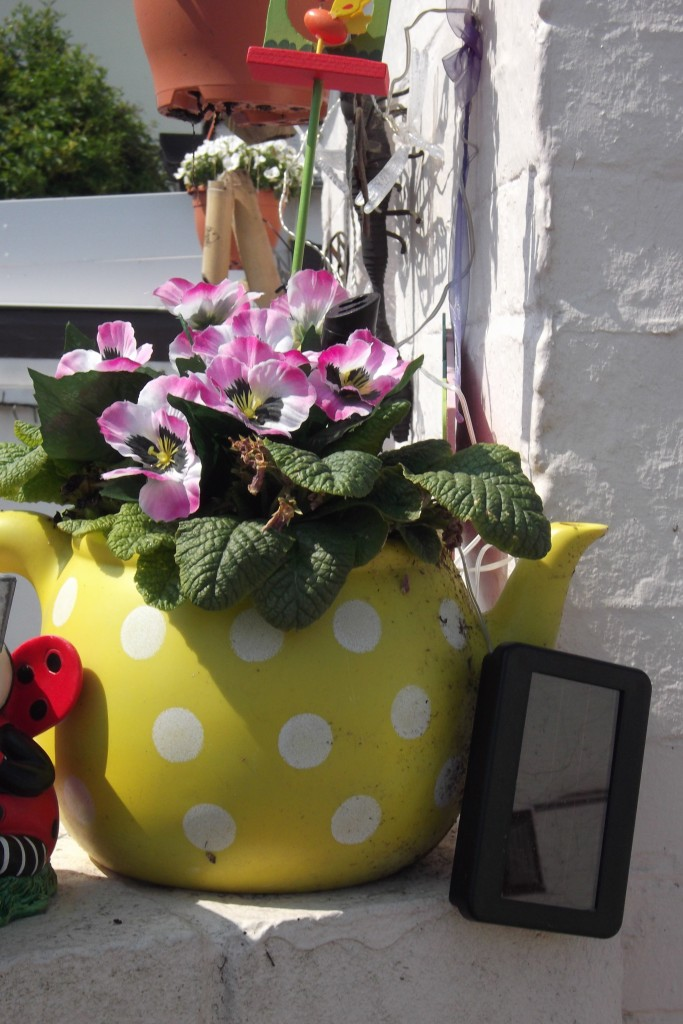 Teapot flower pot 2